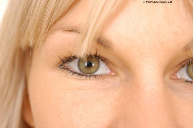 Eye Woman White Slim