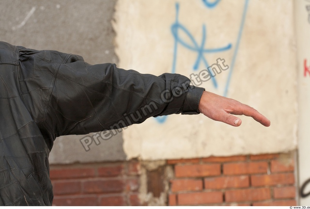 Arm Man White Casual Average