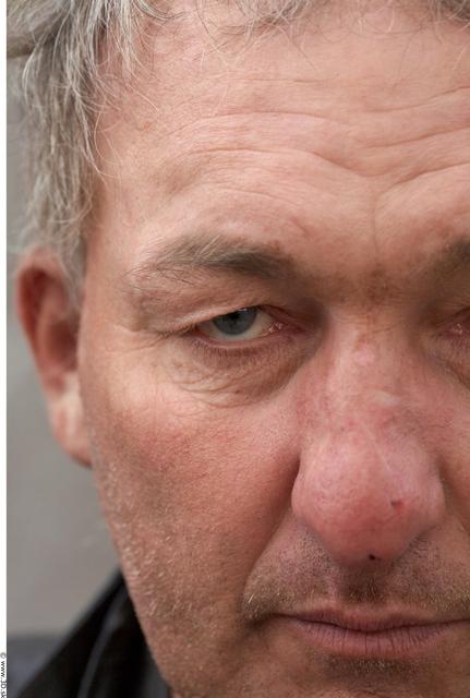 Eye Man White Casual Average