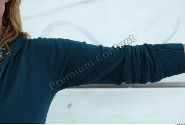 Arm Woman White Casual Sweater Average