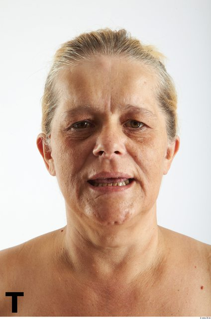 Face Phonemes Woman White Overweight Wrinkles