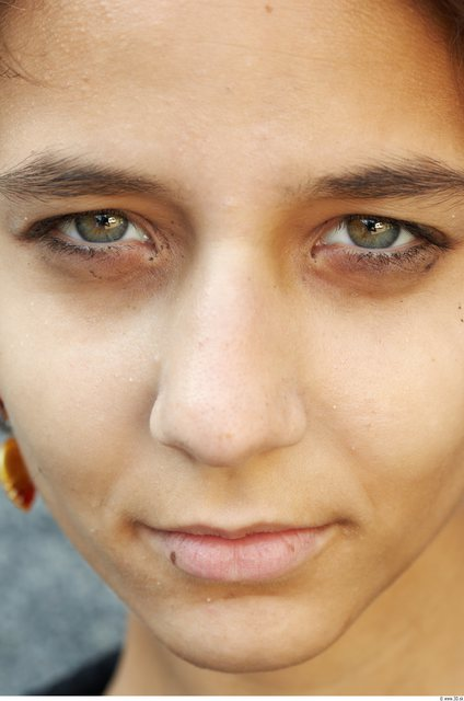 Nose Woman White Slim