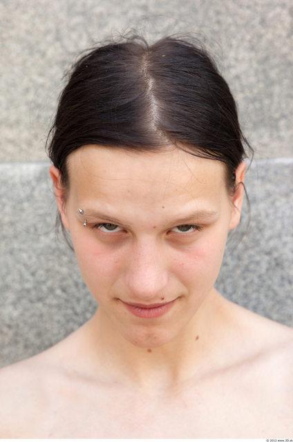 Head Woman White Piercing Slim