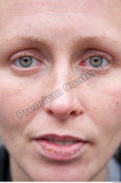 Nose Woman White Casual Average
