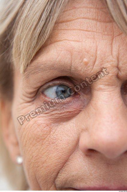 Eye Woman White Casual Average Wrinkles