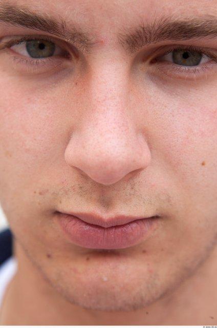 Nose Man White Average
