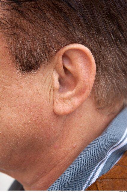 Ear Man White Average