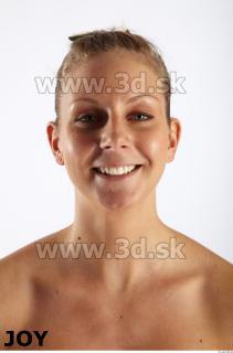 Lea poses 0027