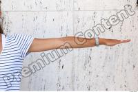 c0017 Young girl arm reference 0001