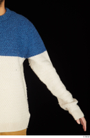Pablo arm dressed sweater upper body 0002.jpg