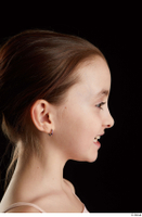 Lilly  2 E head phoneme side view 0001.jpg