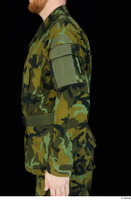 Victor arm army belt camo jacket dressed upper body 0003.jpg
