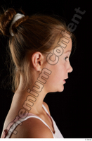 Isla  2 A head phoneme side view 0001.jpg
