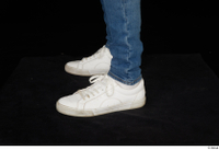 Stanley Johnson dressed foot jeans sneakers 0003.jpg