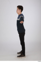 Photos of Kanno Taroemon standing t poses whole body 0002.jpg